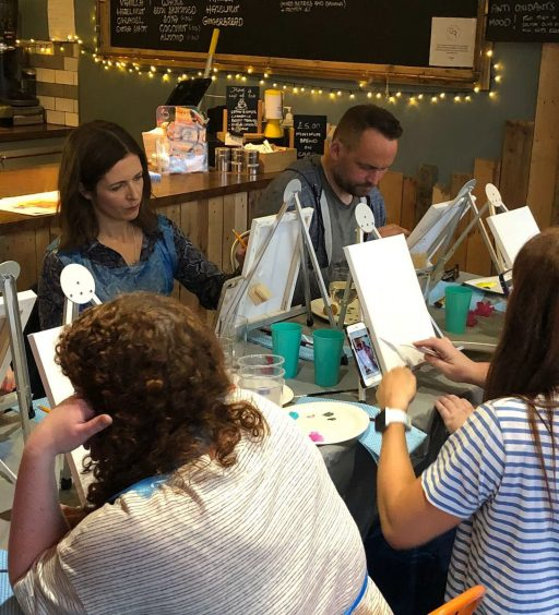 ARTIST ALY HARTE SUPPORTS Q RADIOTHON WITH SELL OUT WORKSHOP