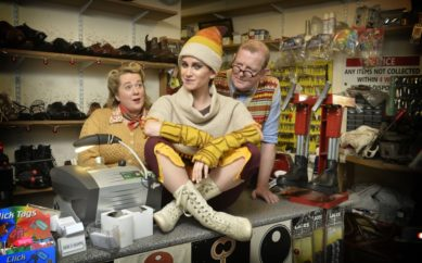 FESTIVE MISCHIEF AT THE MAC WITH ITS CHRISTMAS SHOW  'THE ELVES AND THE SHOEMAKER'