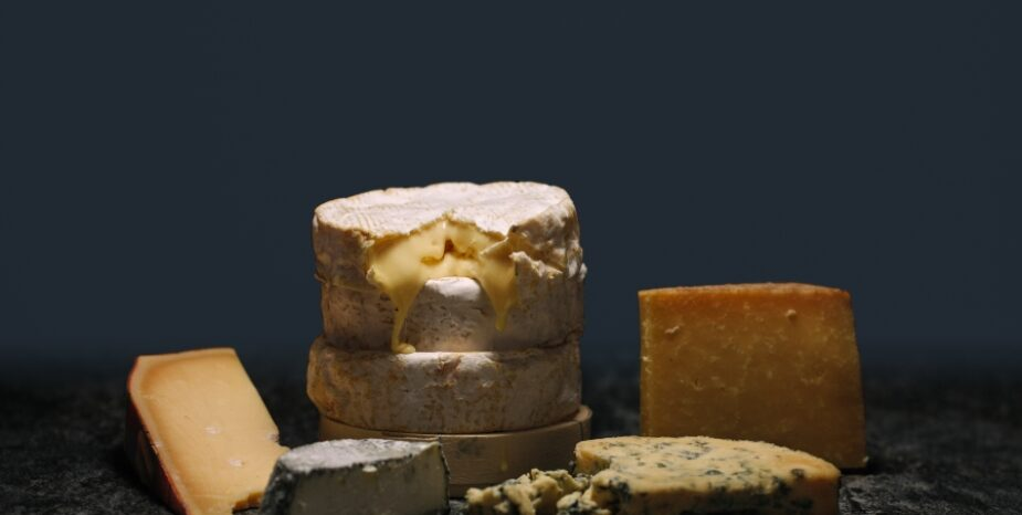 THE CHEESE CLUB – 1KG OF CHEESE EVERY MONTH, DIRECT TO YOUR DOOR