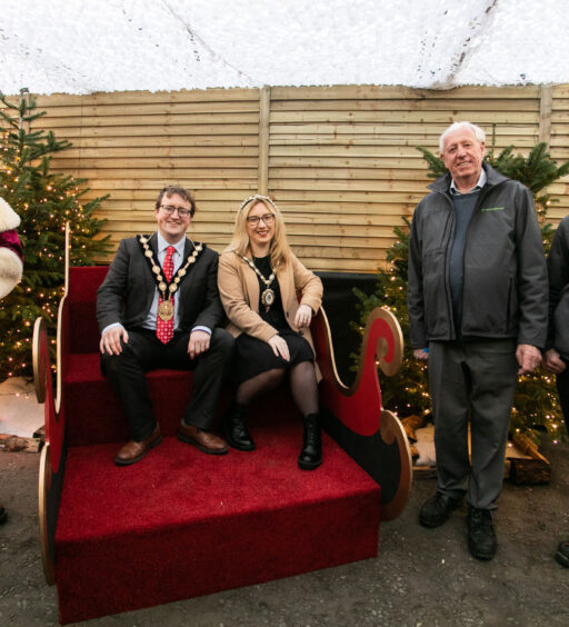 SPECIAL VISITORS ARE FIRST TO SEE SANTA AT HILLMOUNT