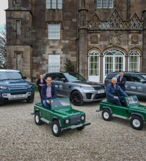 MINI LAND ROVER EXPERIENCE GEARS UP TO OPEN AT GLENARM CASTLE IN JULY