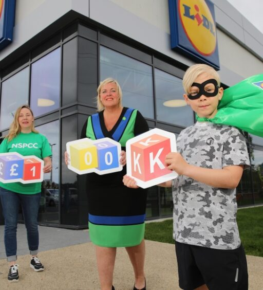 Lidl Northern Ireland empowers charity partner NSPCC with £100,000 fundraising boost to mark Childhood Day 2021